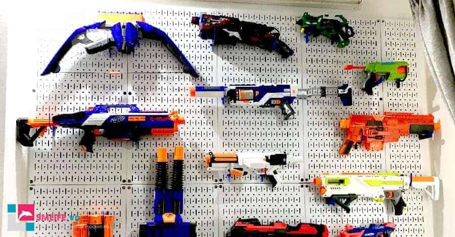 Tổ chức súng nước, súng nhựa gọn gàng với bảng pegboard kim loại SMLIFE