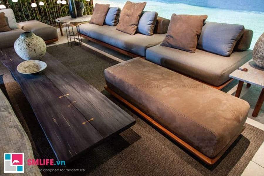 Cuối cùng là mẫu bàn trà sofa dài đơn giản phù hợp cho những không gian phòng khách lớn